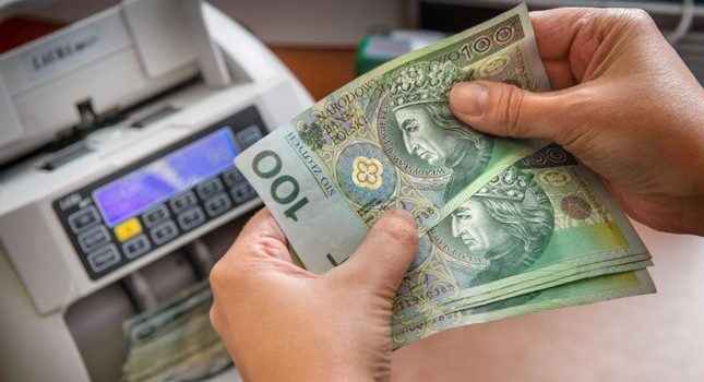 Zwroty bankowe – na czym polegają? Jak działają?